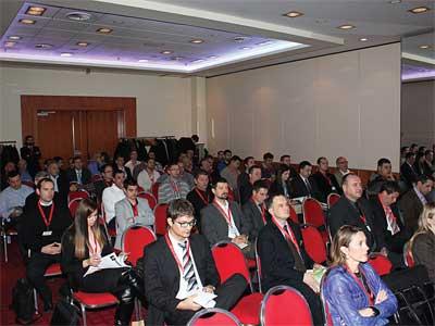 2013-12-05-konferencija-01-400